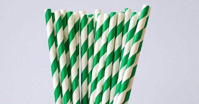 Różne rodzaje zastosowań dla papierowych słomek
